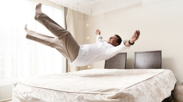 how to make your bed feel like a hotel