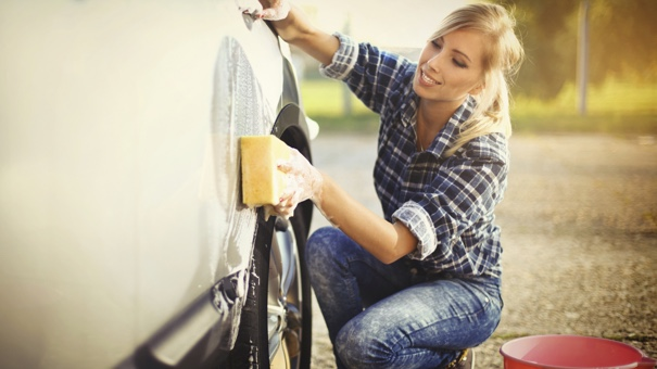 best money tips how to clean your car like a pro. Black Bedroom Furniture Sets. Home Design Ideas