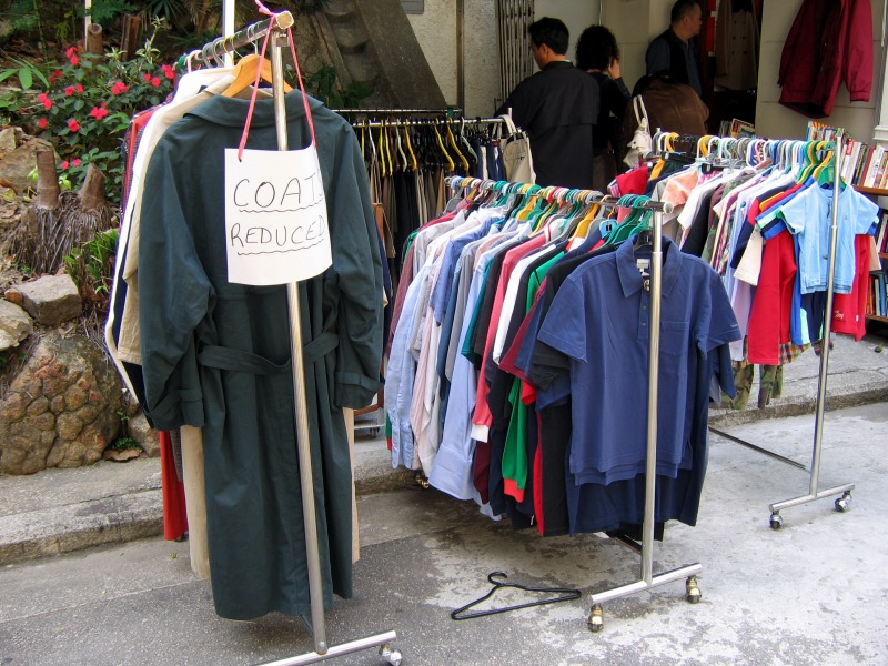 Best Money Tips Throwing A Yard Sale When You Live In An