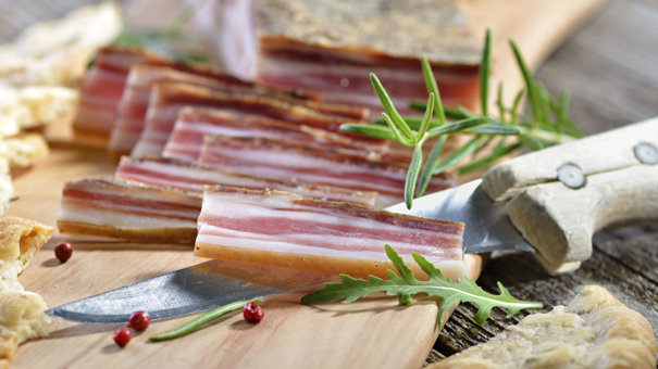 11 Delicious Bacon Recipes That Only Sound Expensive