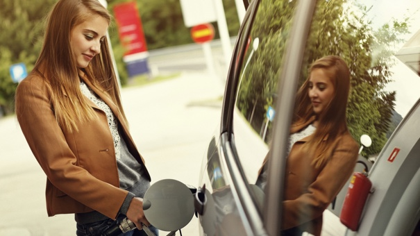 Best Money Tips: Ways to Spend Less on Gas