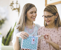 Finding financial gifts mom will love for Mother's Day