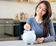 Woman learning to budget her money without a budget