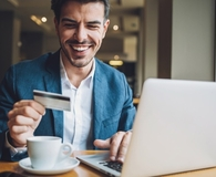 Man learning ways to never make a late credit card payment again