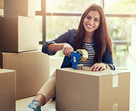 'avoid these mistakes when moving' from the web at 'http://wisebread.killeracesmedia.netdna-cdn.com/files/fruganomics/imagecache/195x160a/blog-images/iStock-637322232.jpg'