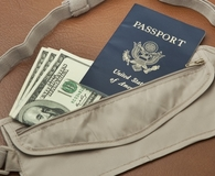 Using the best money travel belt