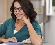 Woman learning one simple thing to start budgeting today