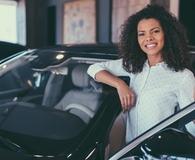 Woman refinancing her auto loan