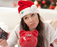 woman trying to minimize financial stress at christmas