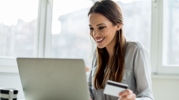 5 Ways Your Credit Card Can Help You Manage Your Finances