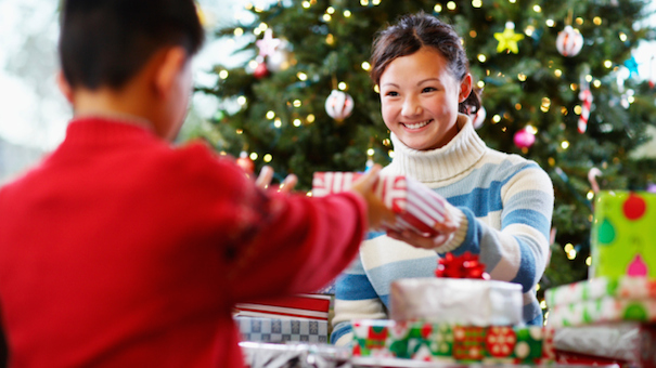 Christmas gift etiquette giving gifts