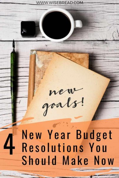 With the new year around the corner. It's time to use the holidays to make a budget resolution so next year can be debt free! We've got simple tips and ideas for you so your personal finance can be on track. | #personalfinance #moneymatters #newyears #resolution