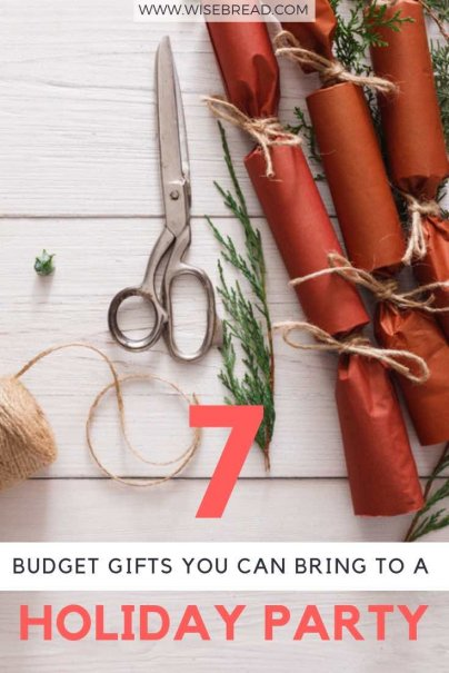 Want some budget gift ideas for christmas? There's plenty of frugal options, from homemade desserts, to DIY mason jar cookies, party crackers, plants and more. Check out these 7 ideas to save money this christmas! | #DIY #frugaltips #Christmas