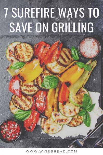 Did you know that you can have summer barbecues on a budget, and still eat well. Here are some outdoor cooking money saving tips to try. #bbq #budget #frugaltips