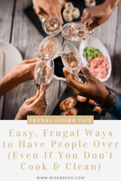 There are easy, cheap ways to entertain your house guests, even if you are not amazing at both cooking and cleaning. Find out our frugal hosting tips! |#frugaltips #hosting #houseguests