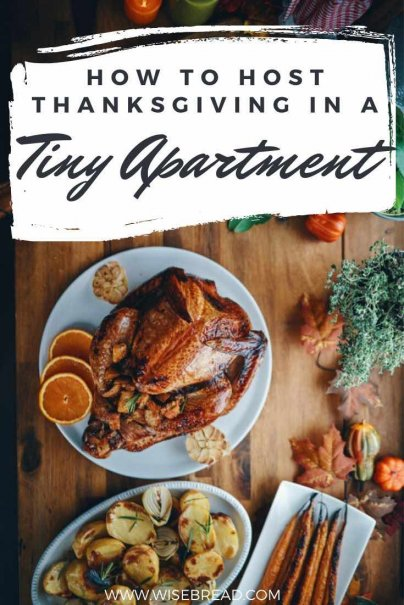 Do you have a small apartment but planning to host a thanksgiving dinner? We've got the tips to help you host in a tiny home. | #smallhouse #tinyhouse #thanksgiving