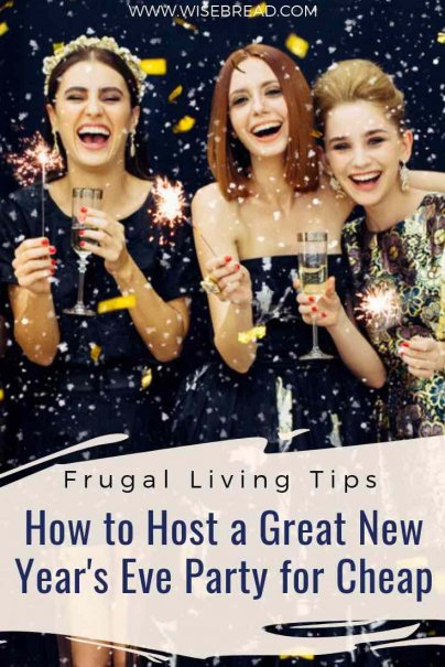 With the Christmas and New Years holiday here, its time for some sparkle, fun, and happy days! Here's some tips and ideas on how you can plan a new years party on budget! | #frugalliving #party #newyearseve #savemoney