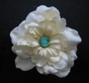 21e4be0b0d5cd DIY - Silk Flower Brooch